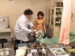 Petite babe getting an orgasm at a gynecologist exam
