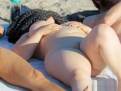 Sexy Nude Milfs Beach Voyeur HD Video Spycam Candid