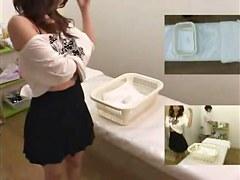 Japanese sex vid shows a masseuse giving a handjob